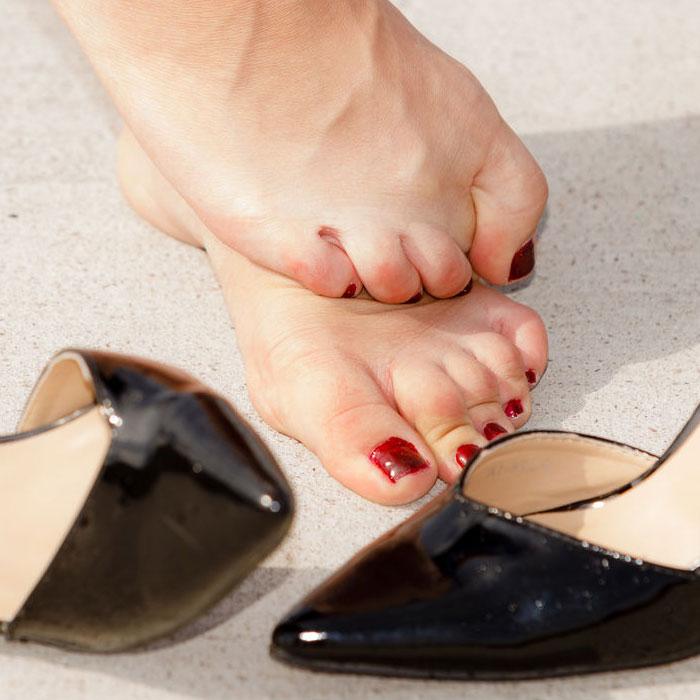 ízületi fájdalom cipő viselésekor)